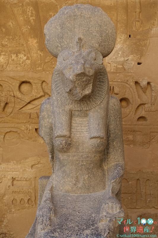 ラムセス3世葬祭殿の像
